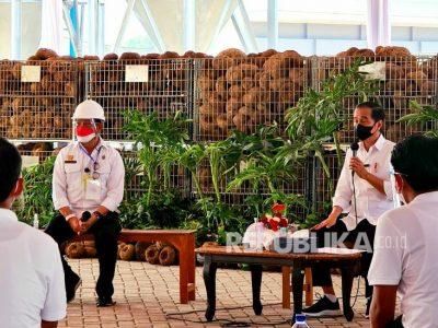 presiden-joko-widodo-didampingi-menteri-pertanian-syahrul-yasin-limpo_210820100039-480